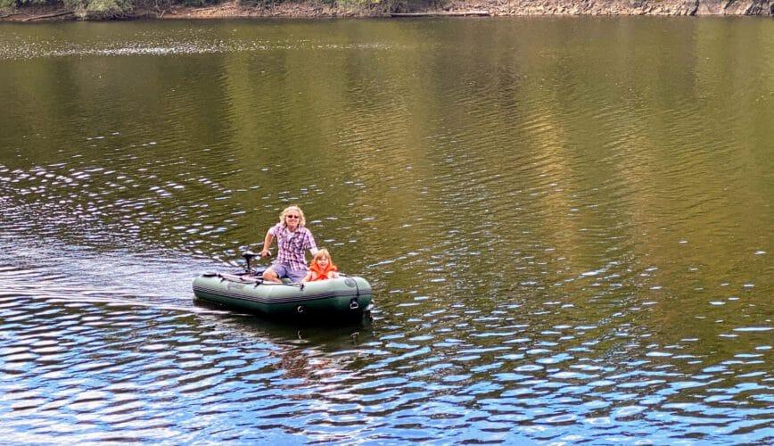 Lekker met de boot op het meer